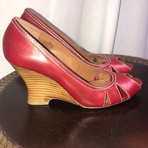 "❣️Red 🔴 Wedge Peep Toe 3.5"" Heel 👠 Size 7.5"